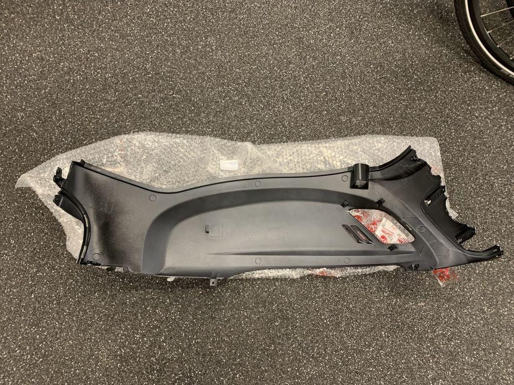 Motorscherm Rechts Sym Fiddle II Zwart Glans BK-5560