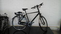 Multicycle Dali-E, zwart