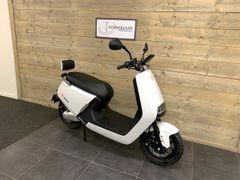 Yadea G5 City 32Ah E-scooter, Black Matt
