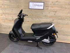 Yadea C1S 32Ah E-scooter 45km, Matt Black