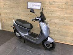 Yadea C1S 32Ah E-scooter 45km, Glossy Grey