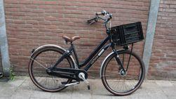 Cortina U4, zwart