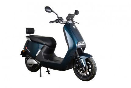 Yadea G5 City 32ah E-scooter, Glossy Blue