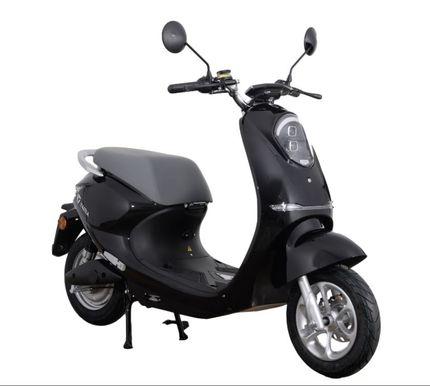 Yadea C-umi E-scooter 25km, Glossy Black