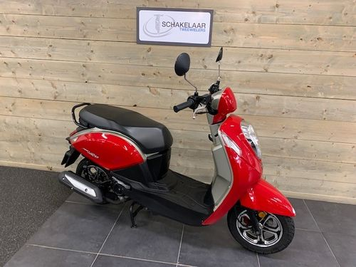 Sym Mio 50i 25km 2018 Occasion, Red